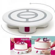 Vrtljiv podstavek za torte z gumbom za zaustavitev