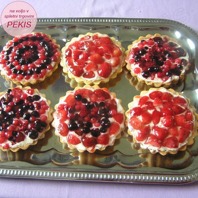 Mini skutine pite s sadjem