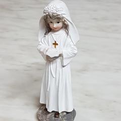 Deklica s Svetim pismom