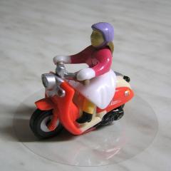 Figurica za torto - Motoristka 2