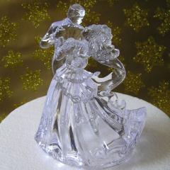 Akrilna figurica za poročno torto