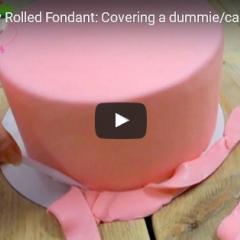 Kako prekrijemo torto - pripravljen fondant
