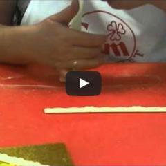 Kako uporabljano modelčke za obrobe tort