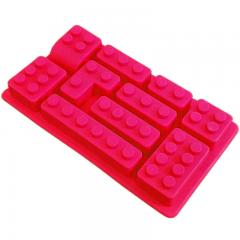 Silikonski modelček lego zidaki, rdeč